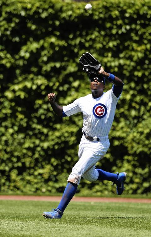 Alfonso makes an easy catch on a beautiful day at Wrigley Field.